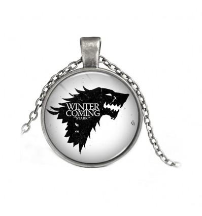 Collana MetaLupo della casata Stark - Versione con Vetro su Sfondo Bianco